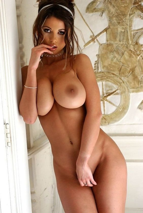 Sexy naked brunette girls big boobs