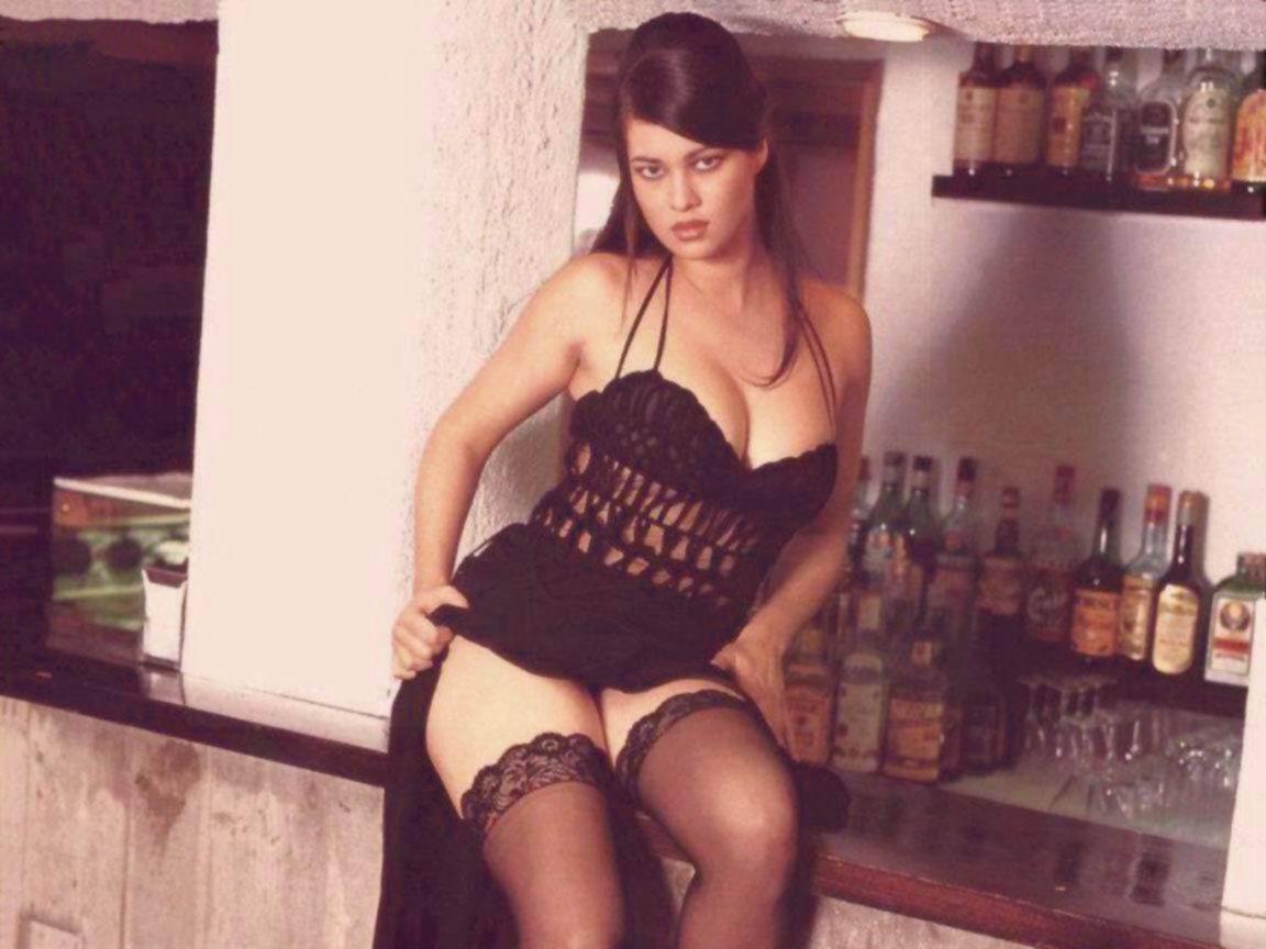 Manuela arcuri nude