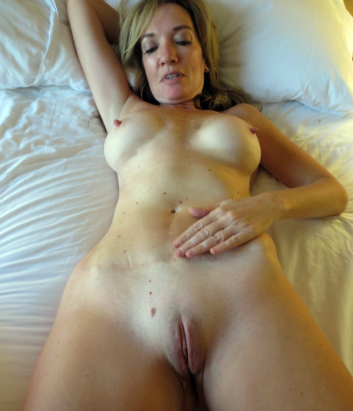 Real amateur wife submitted sex photos