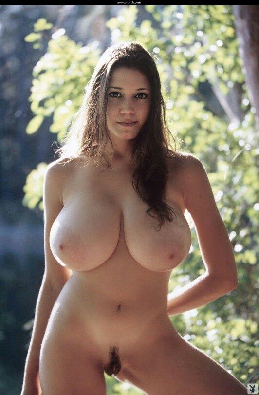 Big natural tits nude