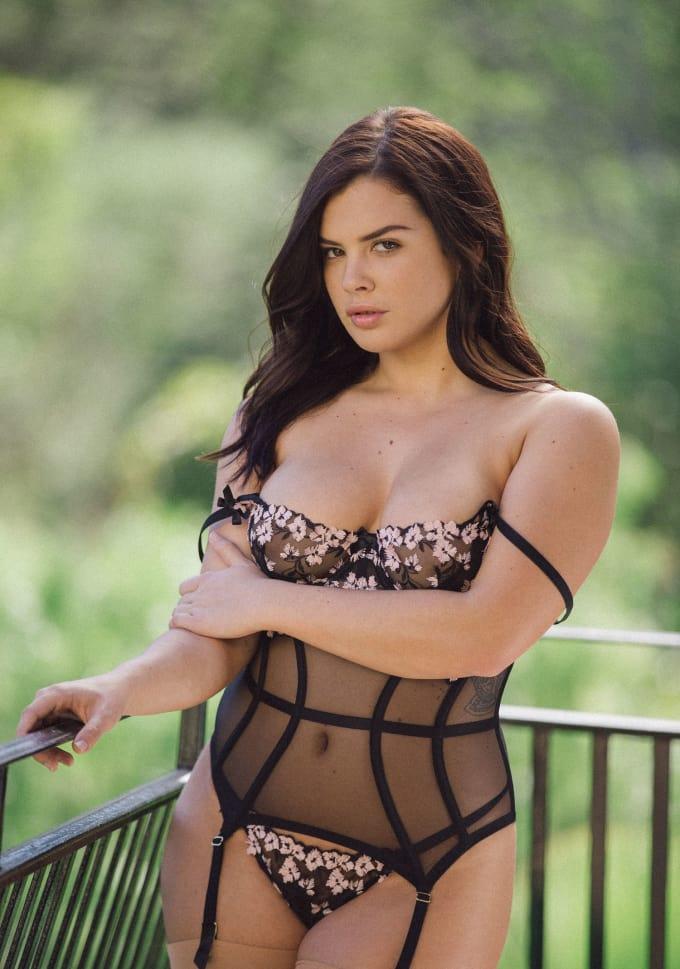 Hottest brunette girl porn stars