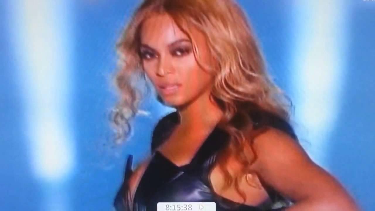Beyonce nipple slip wardrobe malfunction