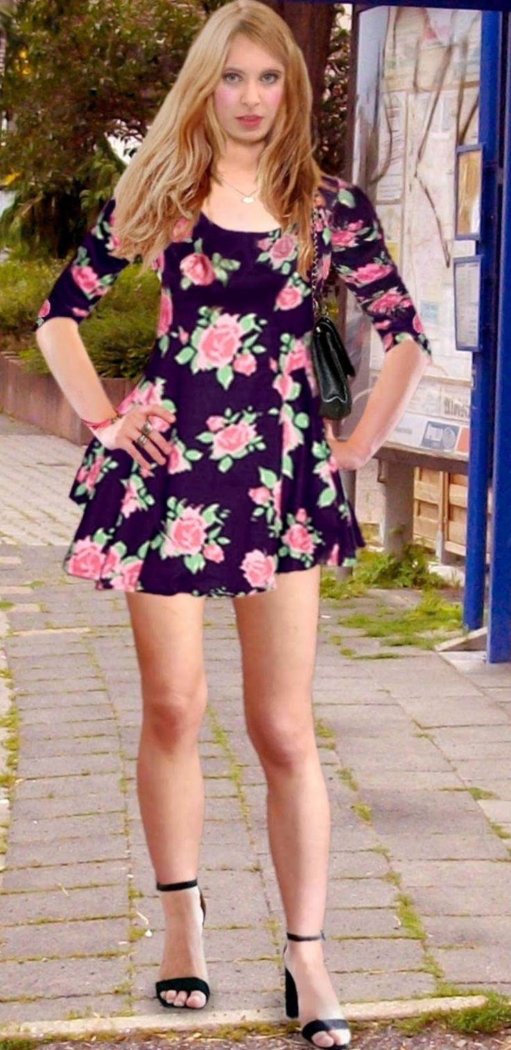 Sandra teen model skirt
