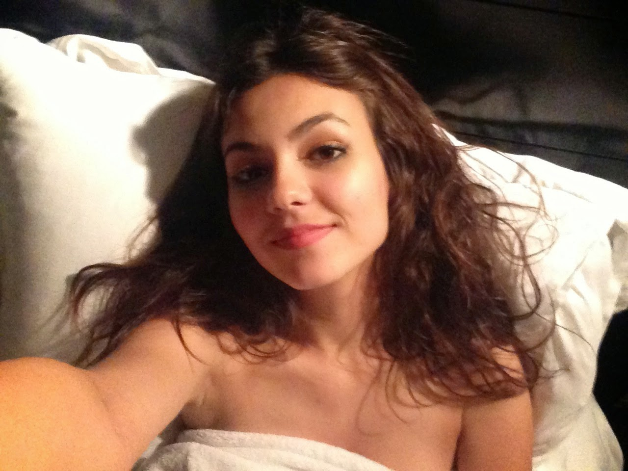 Nickelodeon victoria justice naked