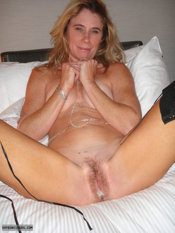Hairy mature wife wet pussy was specially