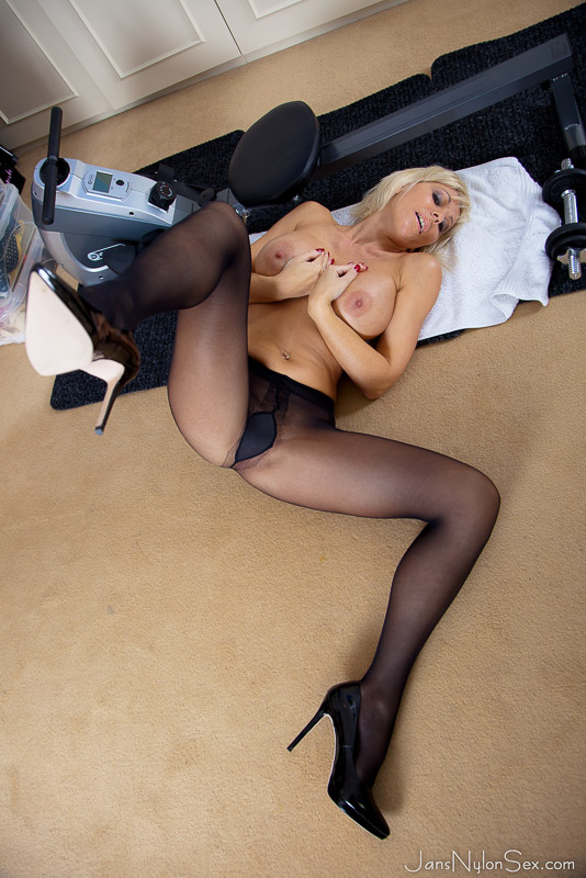 Nylons and high heels sex