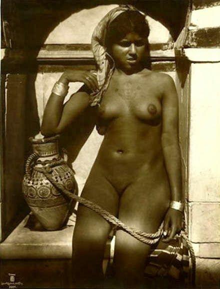 Vintage nude black slave girl