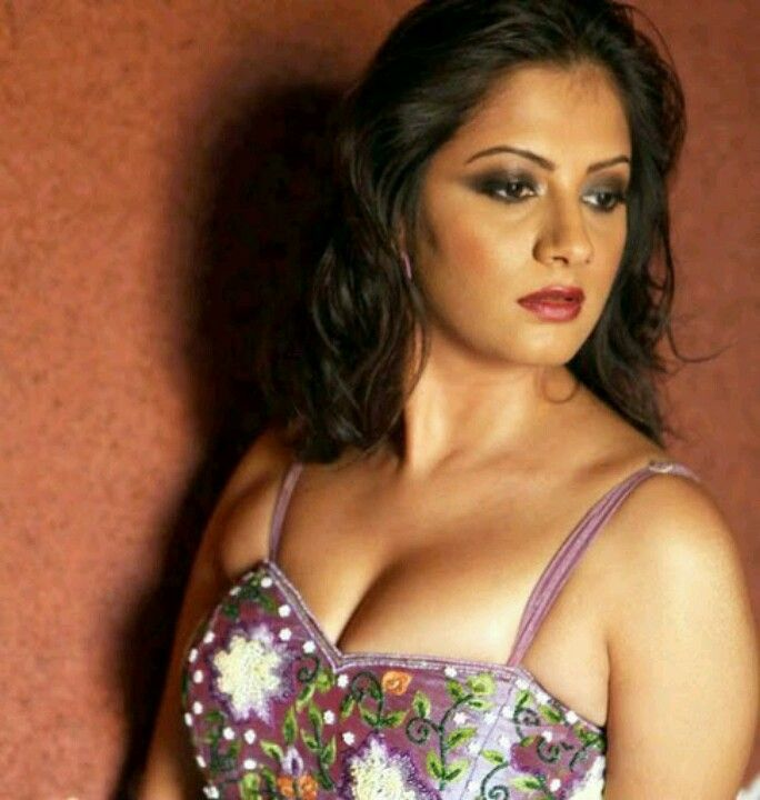 cleavage Hot indian actress