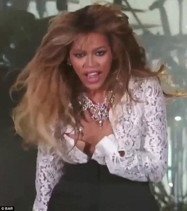 nude malfunction Beyonce wardrobe