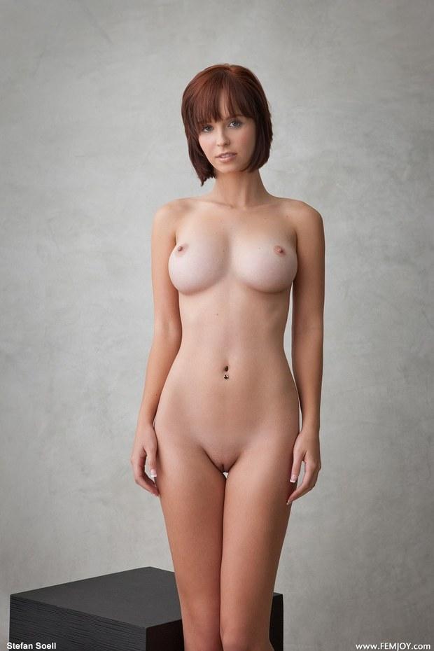 Short hair big tits pussy