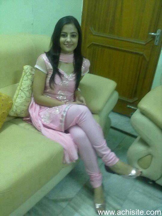 Hot sexy pakistani girl nude