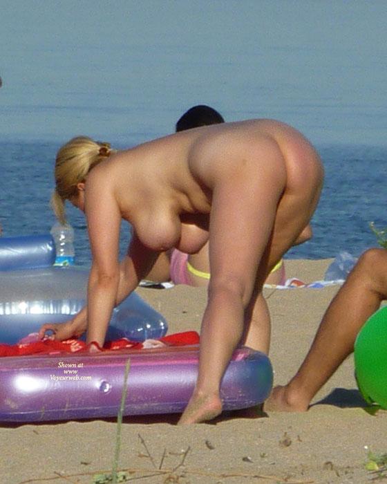 Voyeur nude beaches sex