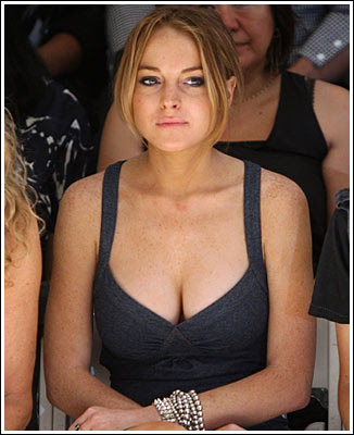 lohan cleavage Lindsay