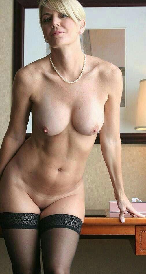Nude mature milf wife