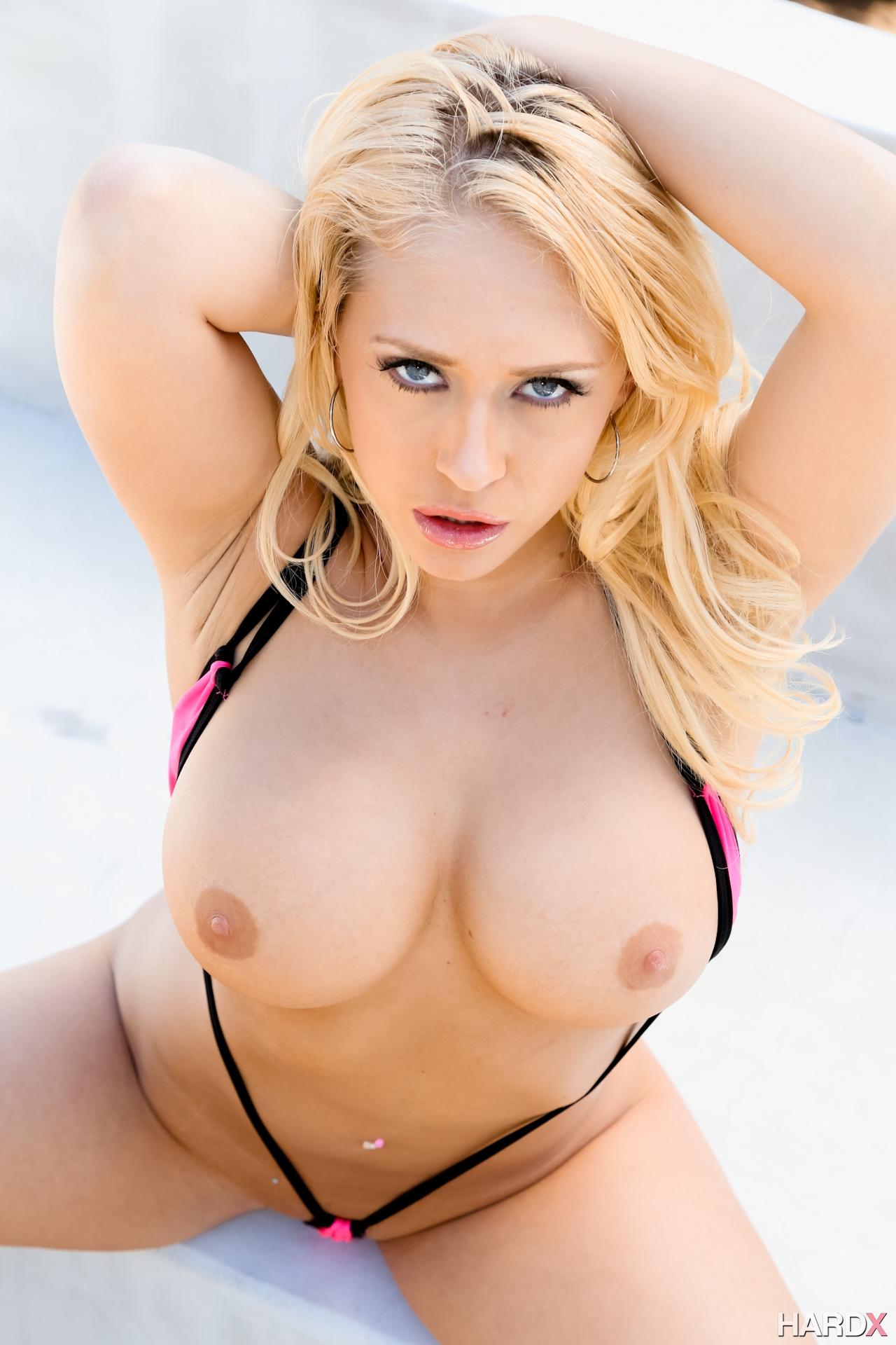 Kagney linn karter bikini