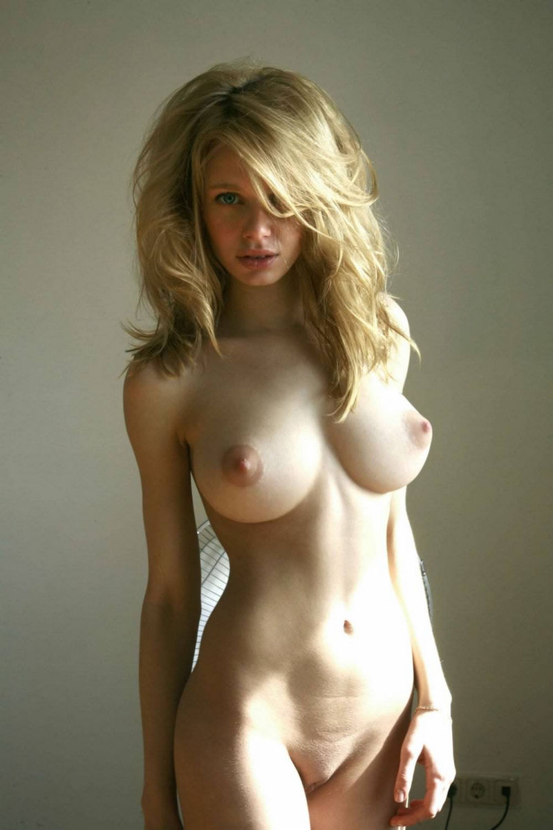 Big boobs perfect body girl nude
