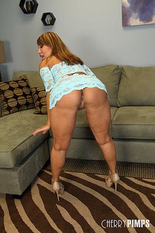 devine booty Ava big