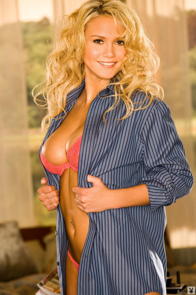 Playboy lindsay wagner nude