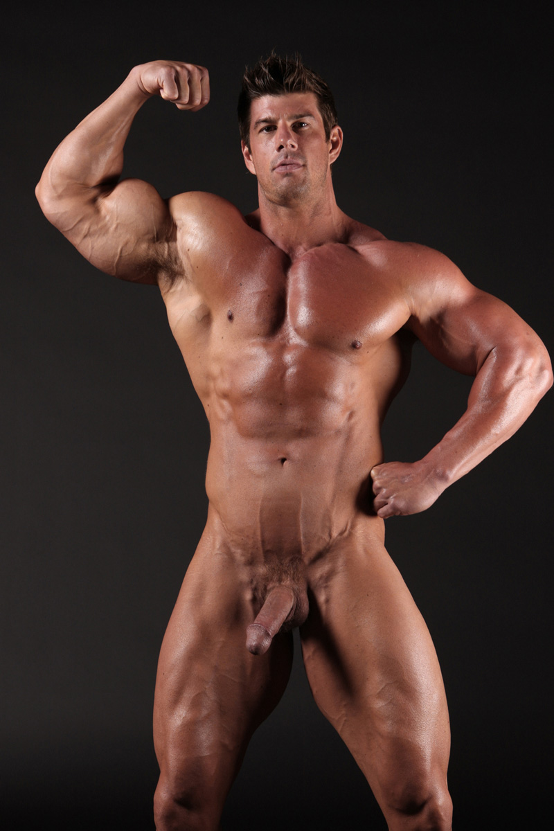 Naked male bodybuilder nude