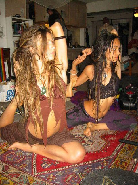Hippie nude yoga girls