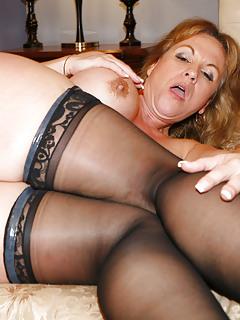 Hot mom sexy mature milf