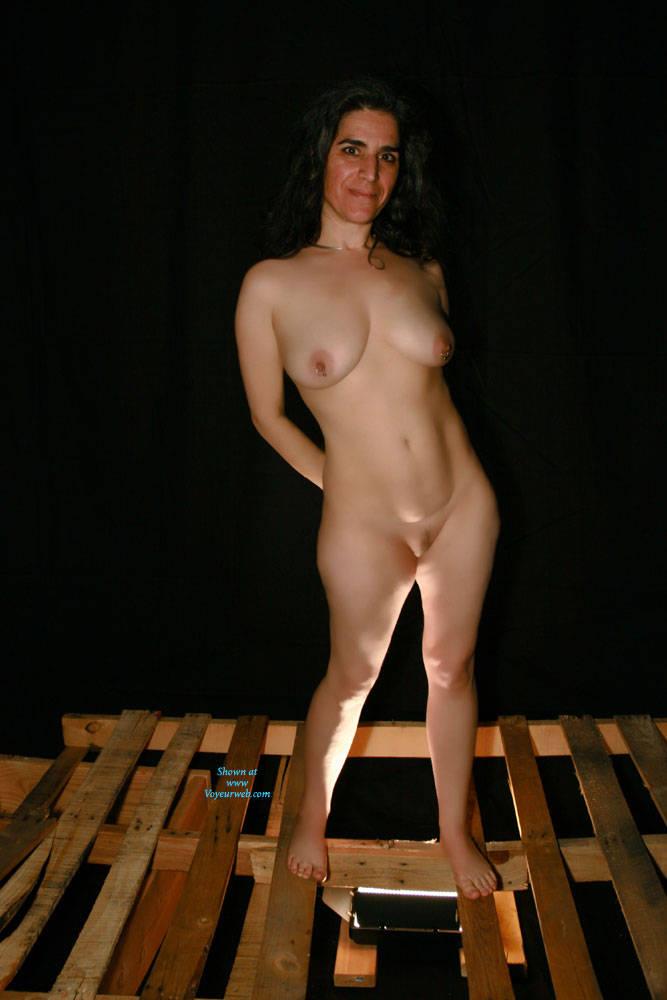 Average naked girls posing nude