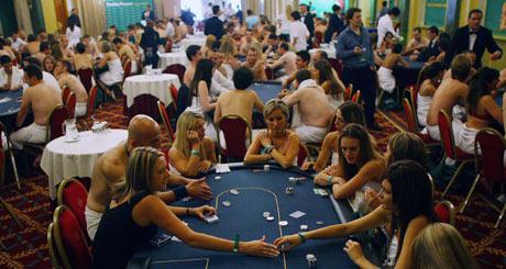 Strip poker girls nude