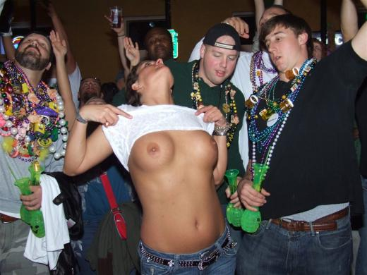 Flashing at mardi gras tits