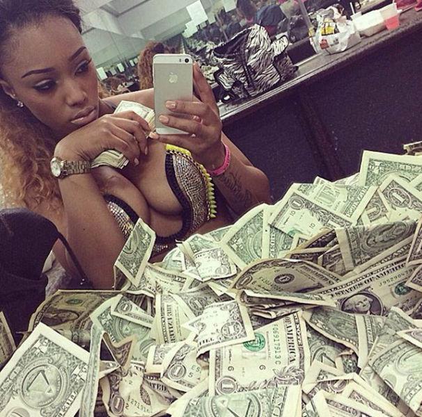 Hot girls counting money