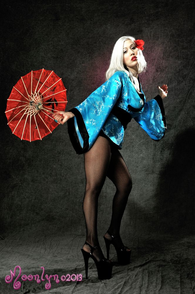 geisha girl Blonde