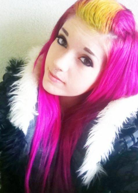 Taylor wane pink hair