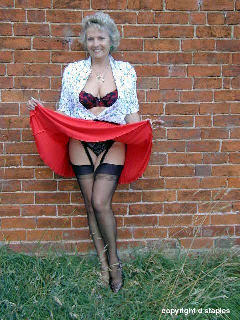 Mature lady wearing stocking