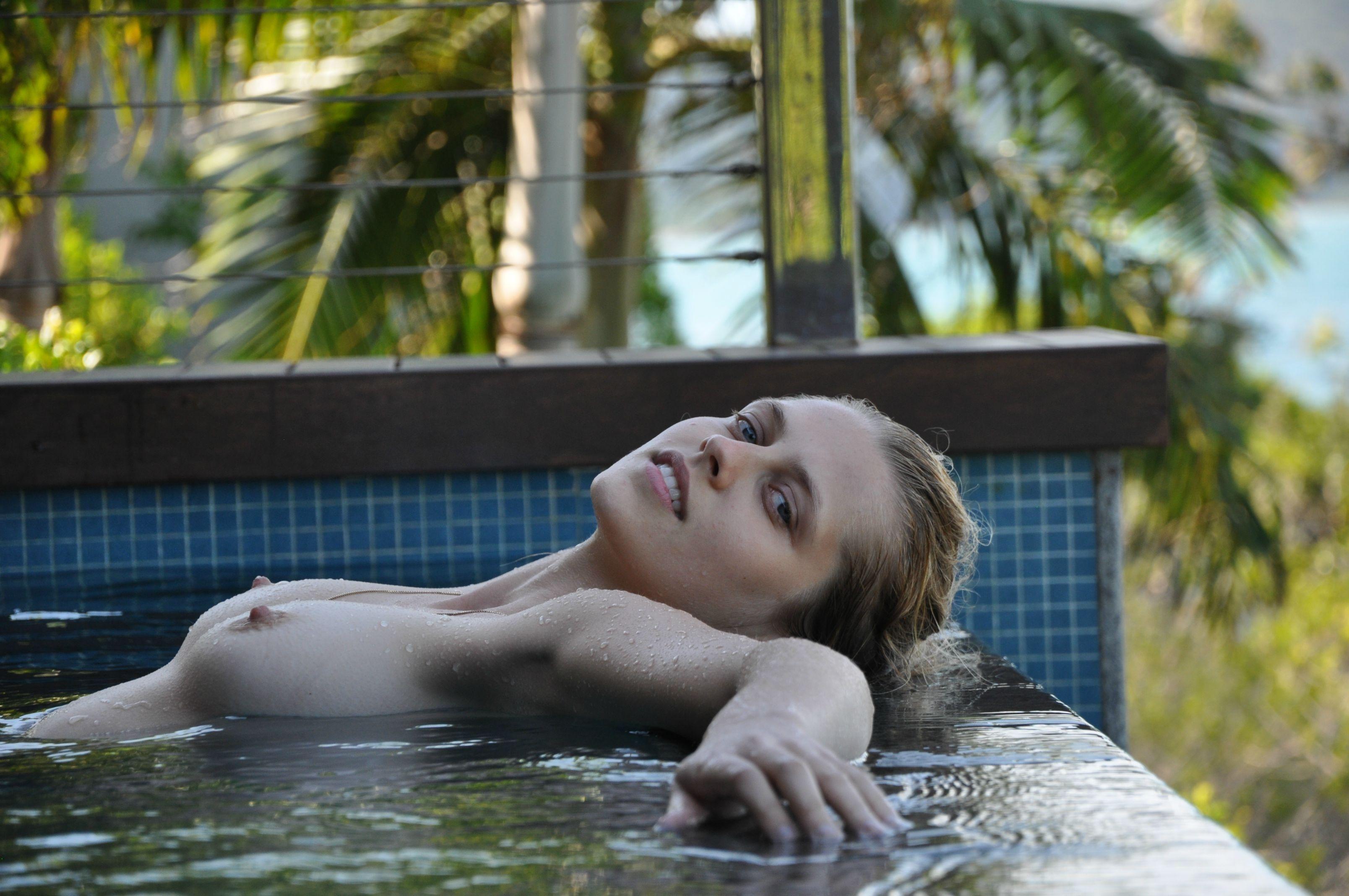 Teresa palmer nude scene