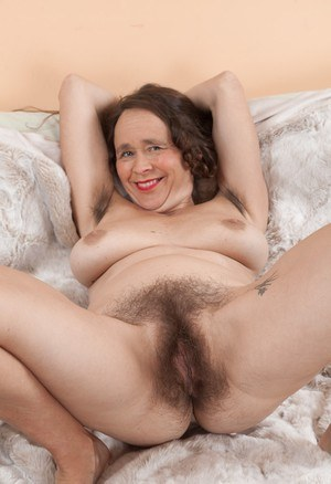 Naked hairy old women pussy