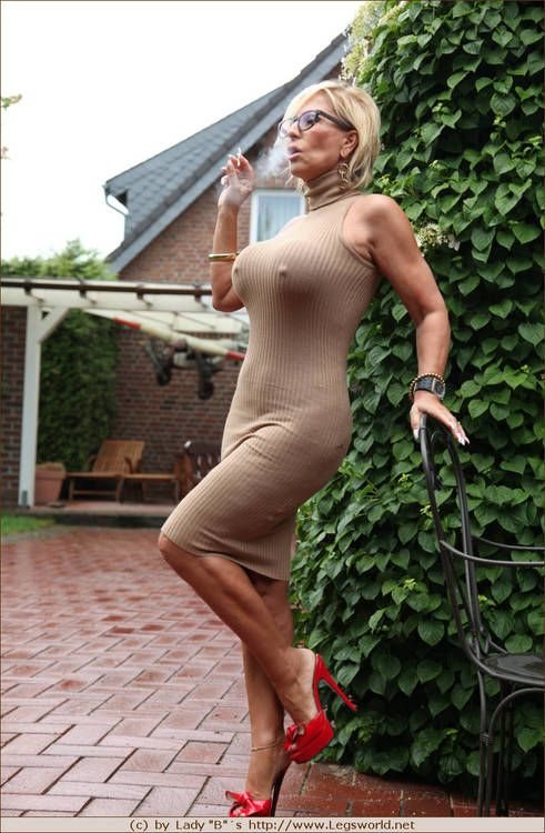 Mature milf lady barbara legsworld