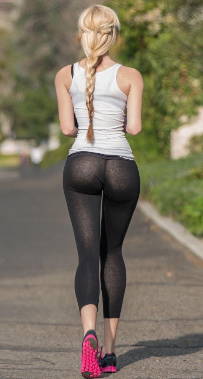 Blonde bubble butt white girl