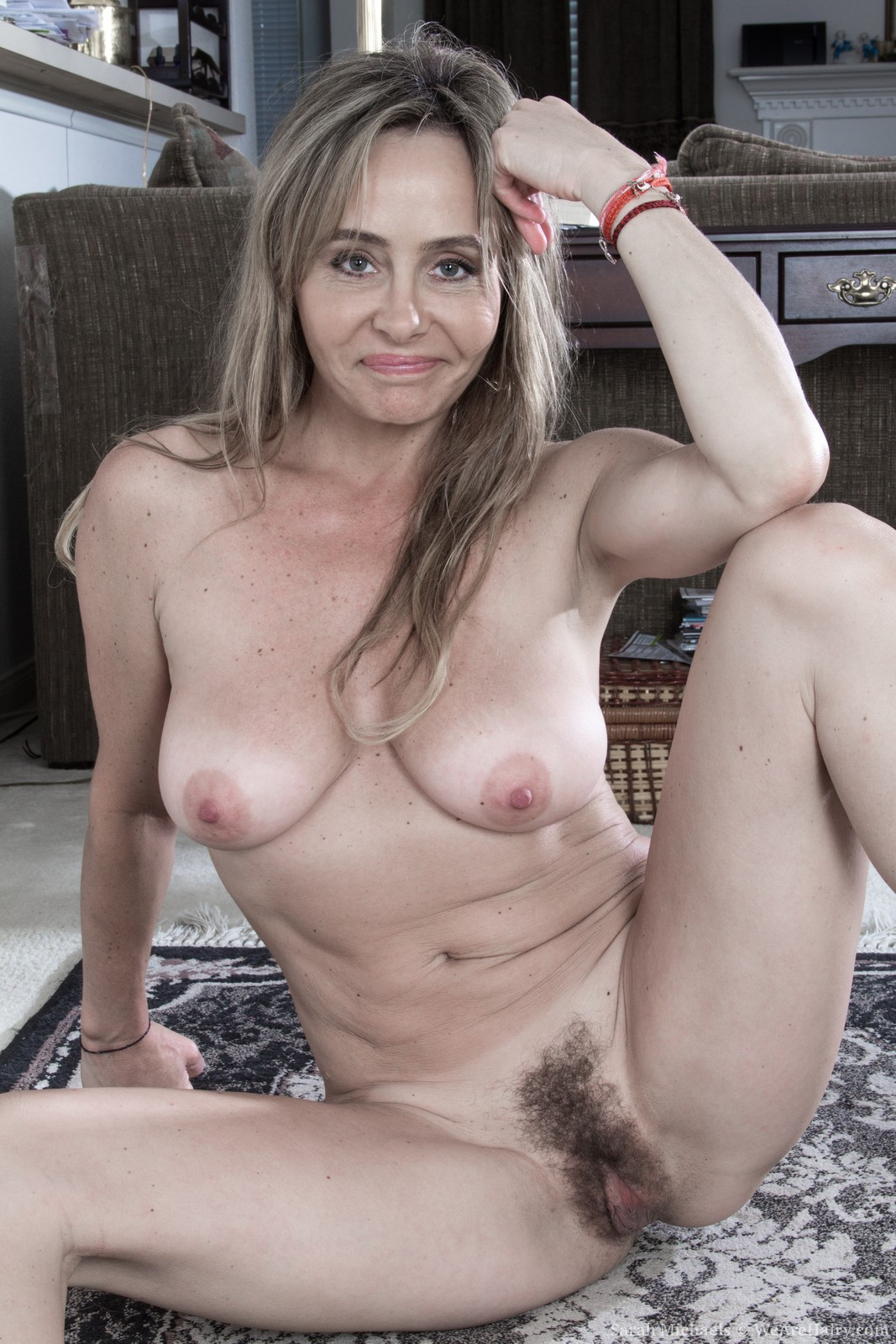 Nude milf gallery