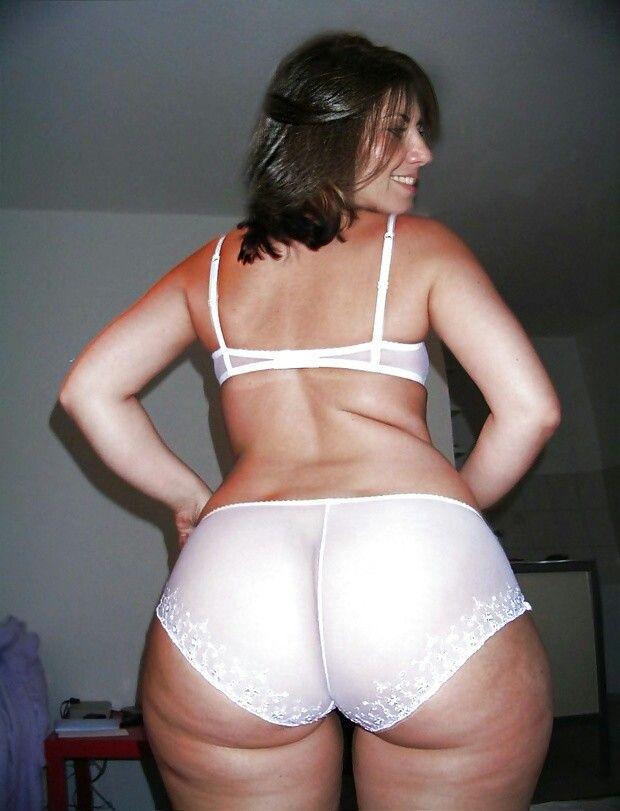 Thick mature milf ass