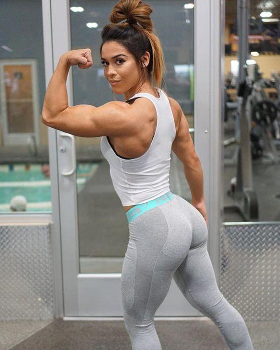 yoga pants Latina