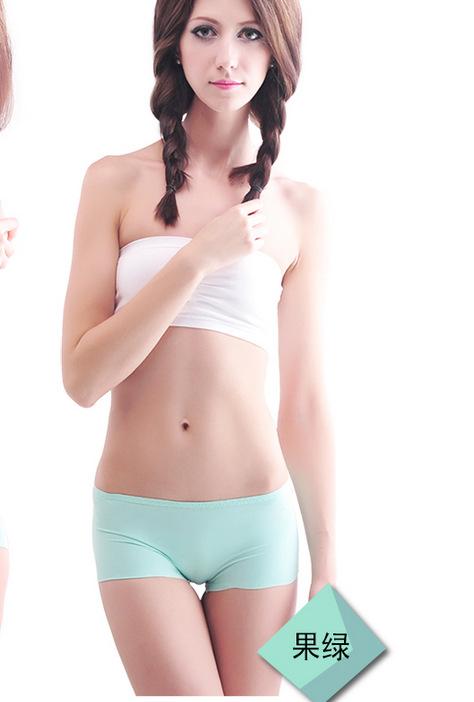 model Sexy panties