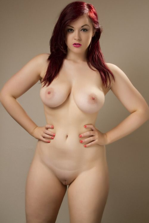 Sexy naked curvy girls