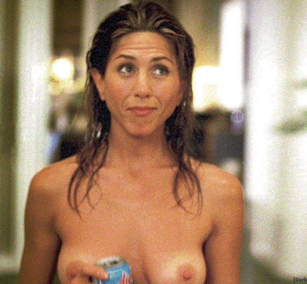 Jennifer aniston naked