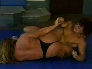 Female bodybuilder wrestling porn