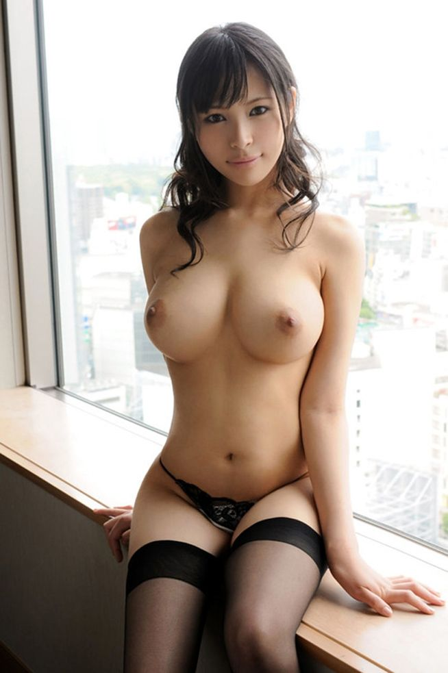 Hot sexy naked asian women bikini