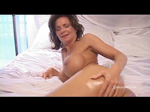 Gorgeous mature women fucked in asshole