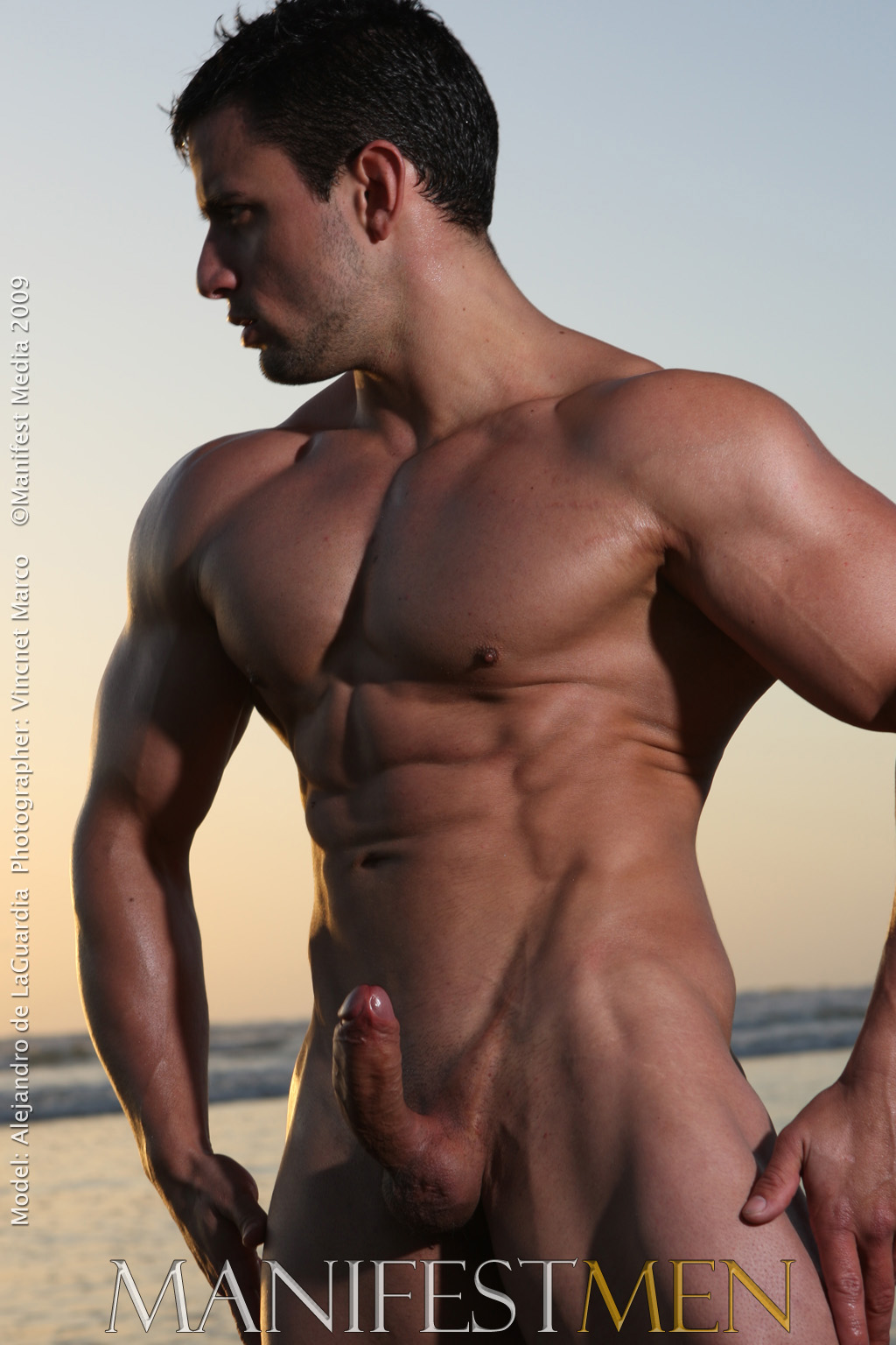 Naked muscle men nude