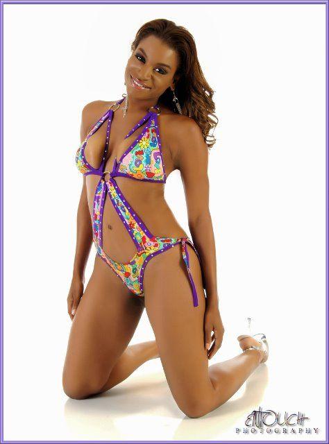 models Amateur bikini