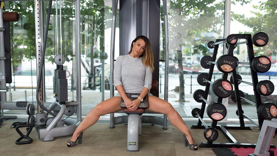Fitness sexy legs high heels