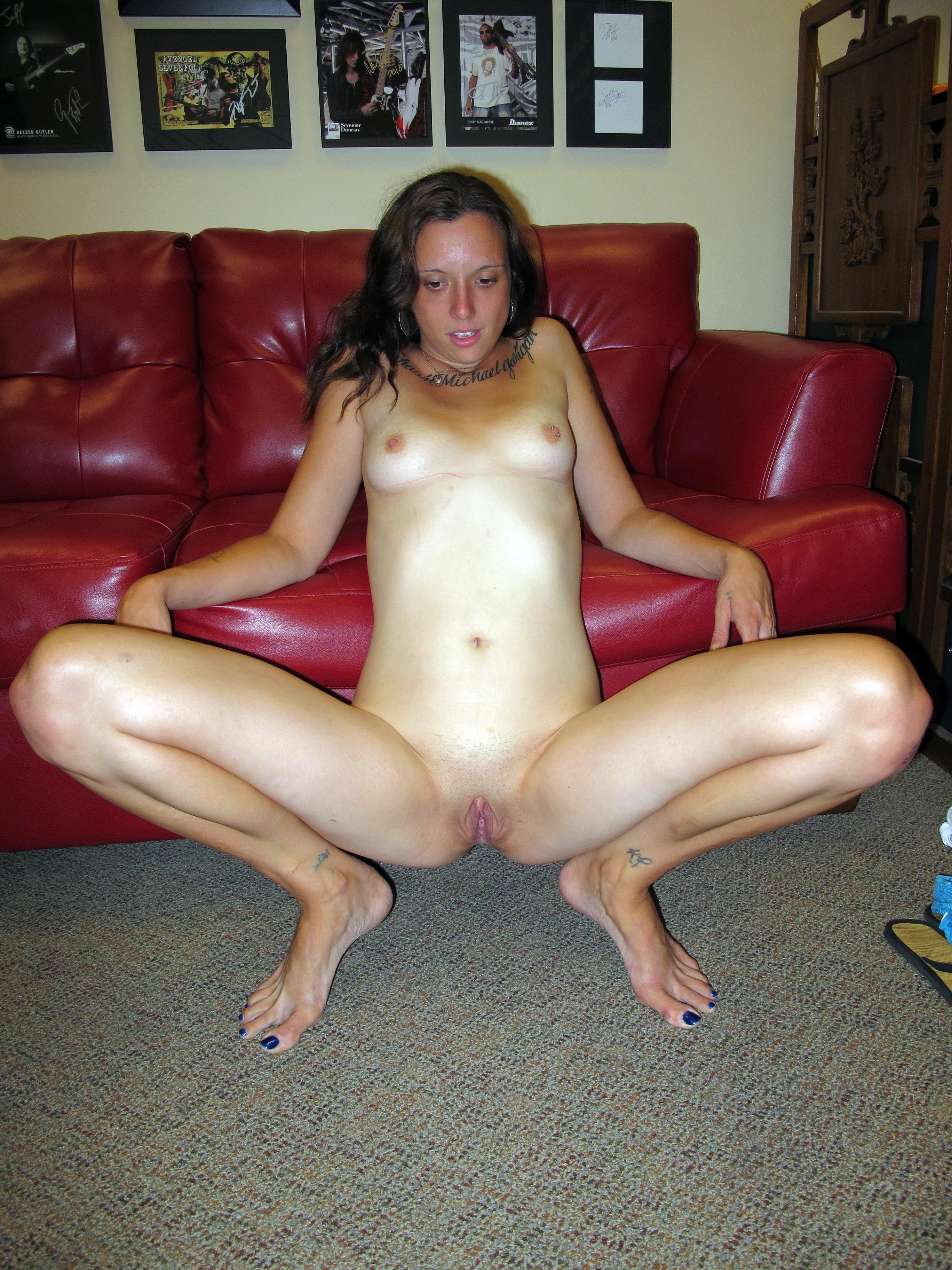 crouching Nude women