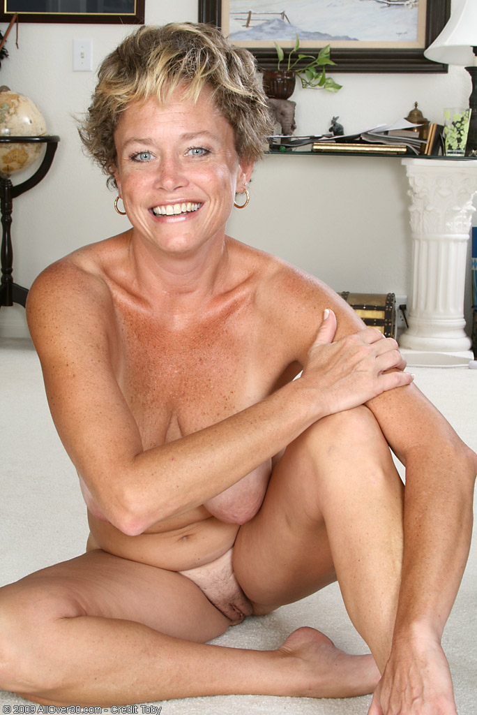 Granny 70 years old nude women